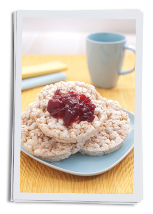 Rice cakes with jam.